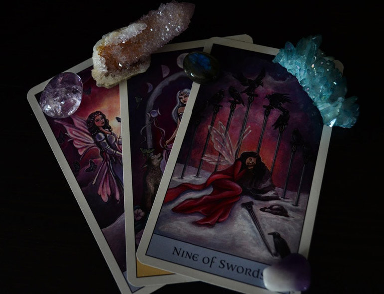 Ten ways to use your Tarot cards today